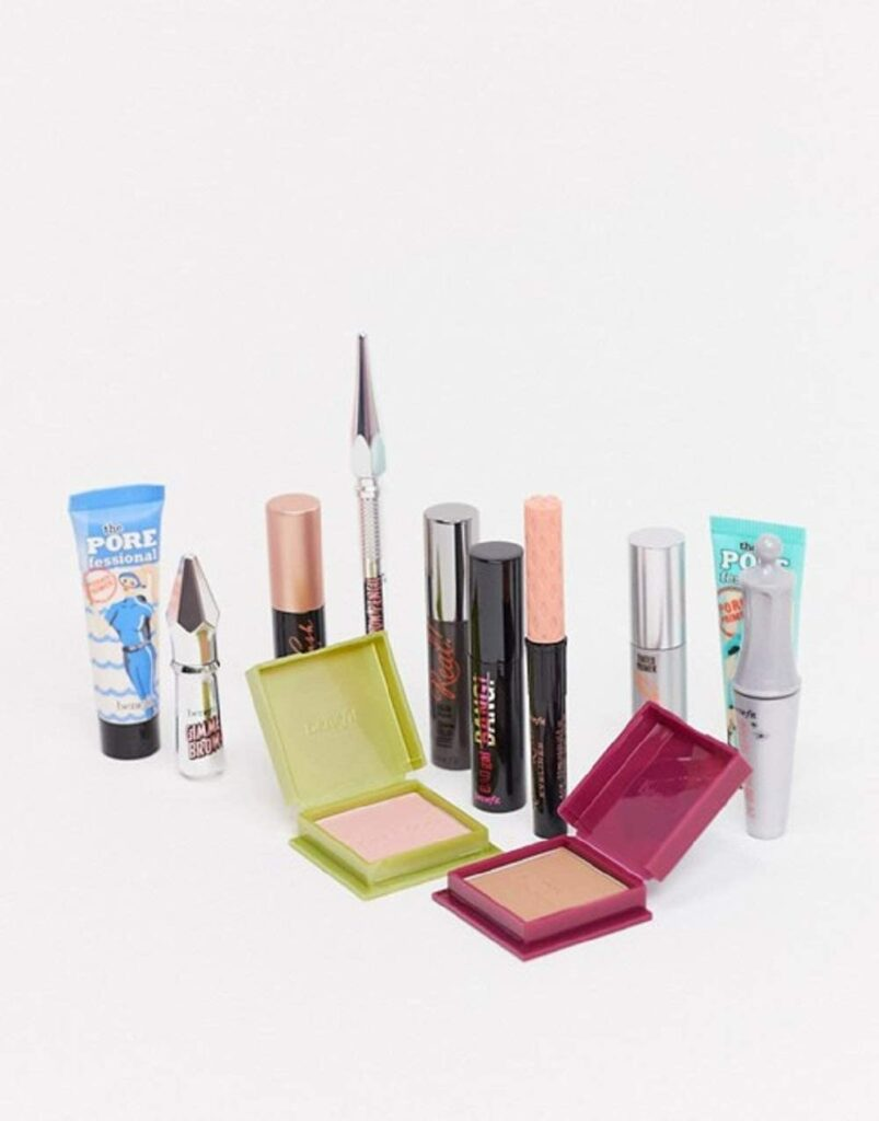 Contents: Benefit Shake Your Beauty Advent Calendar 2020