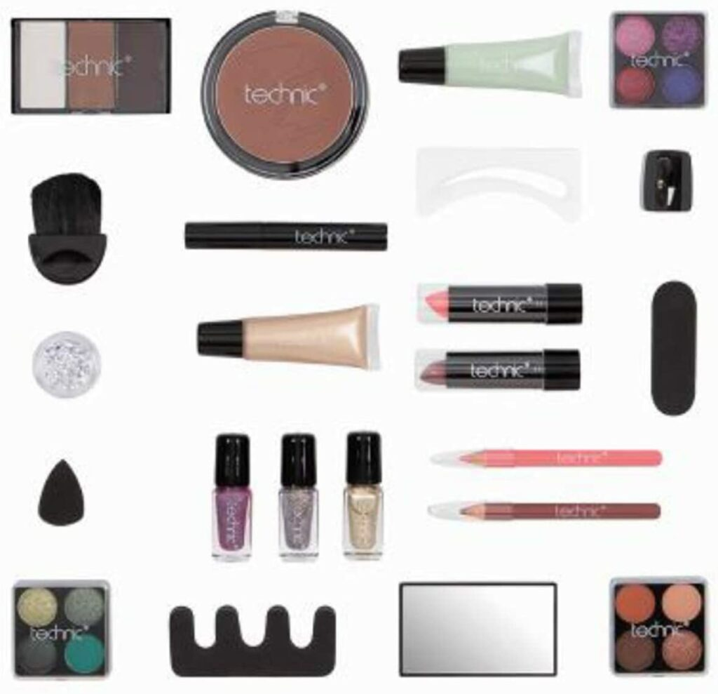 Content:  Technic, Cosmetic Advent Calendar, filled with Festive Beauty Essentials and Gifts